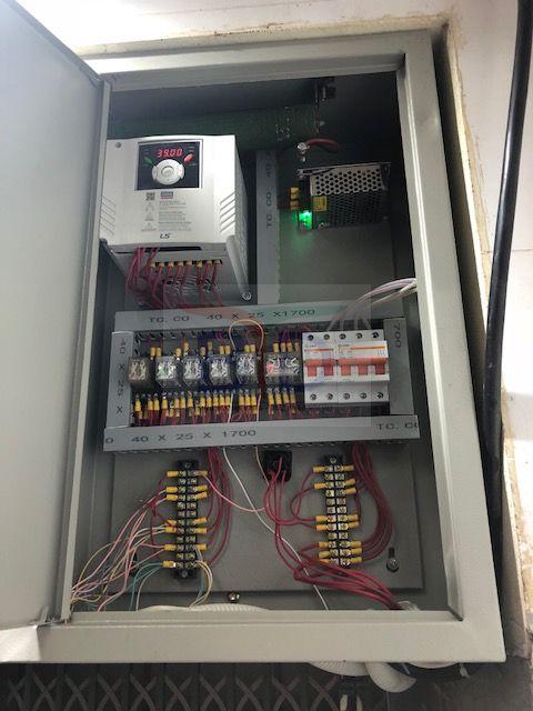 Lắp đặt tủ điện thang máy tải hàng 300kg tại tôn Hòa Phát