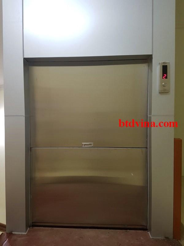 Lắp đặt thang tải thực phẩm 200 kg cho nhà hàng cơm văn phòng