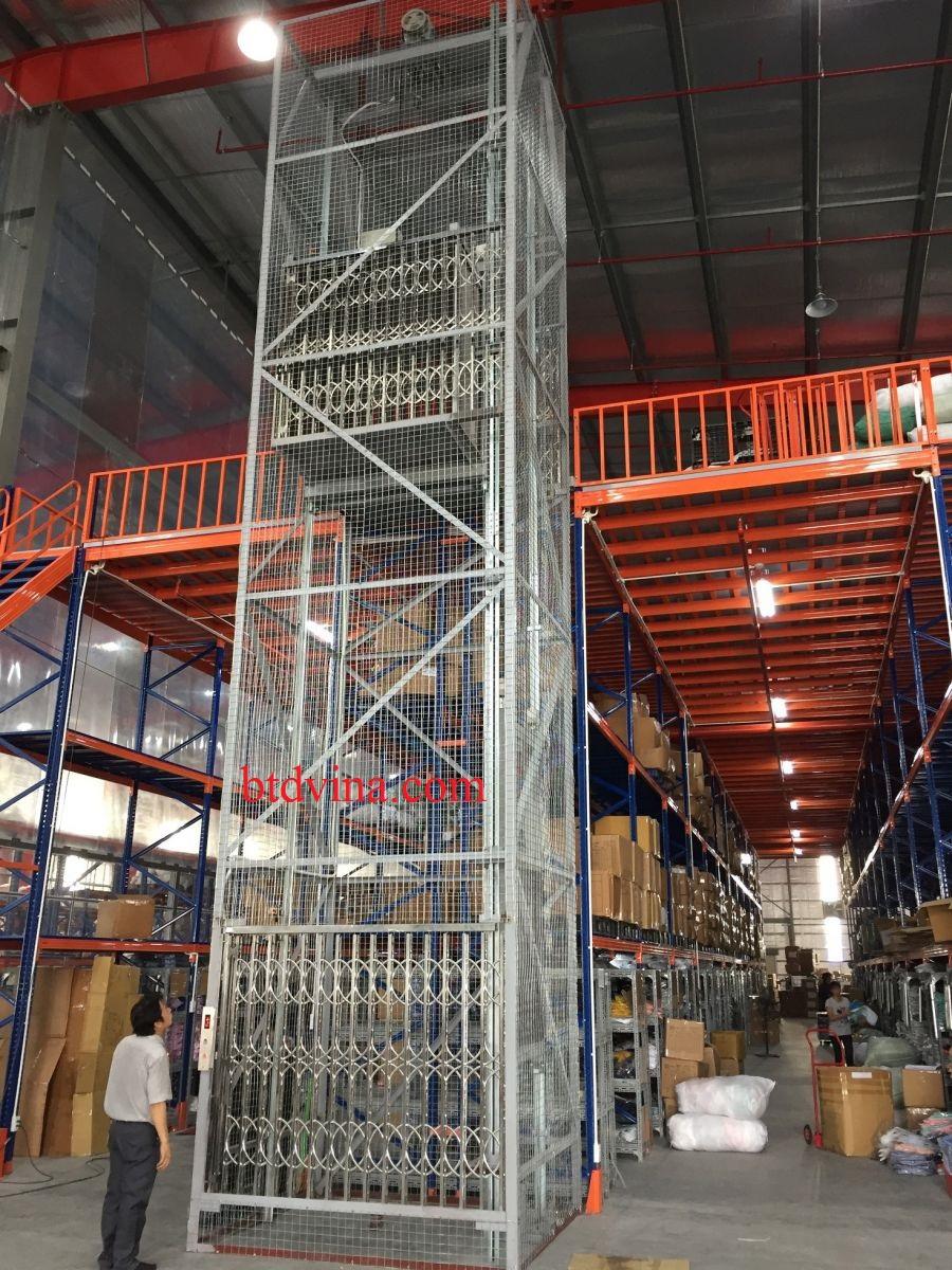 Thi công lắp đặt thang tải hàng 500kg cho nhà máy may Canifa - Hưng Yên