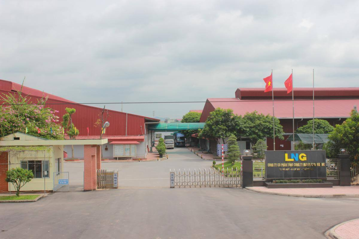 Lắp đặt thang máy tải hàng 1000kg- 2 stops tại may Bắc Giang LNG