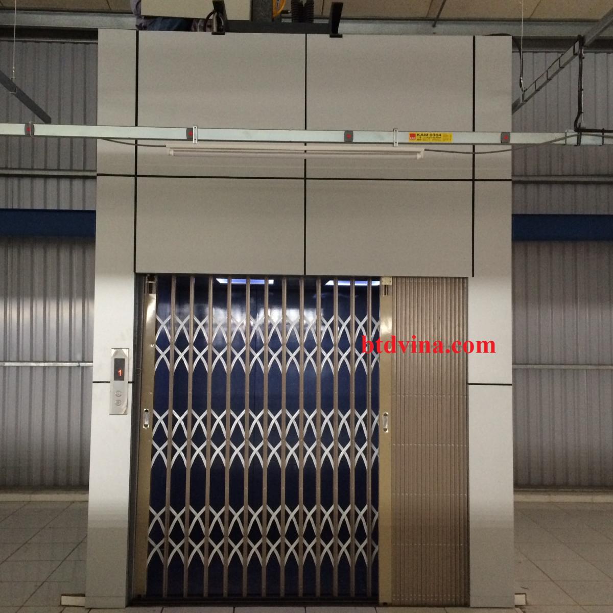 Thang máy tải hàng 300 kg tại Hải Phòng