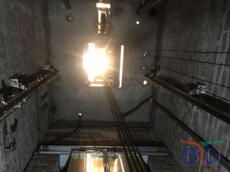 Thang máy có hệ thống chuyên chở tự động khá thuận tiện trong quá trình sử dụng